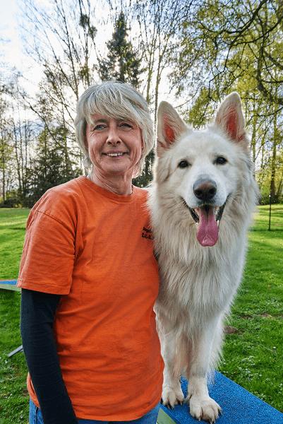 Angela Merten - Natürlich Hund - Hundeschule in Rinteln und Neustadt